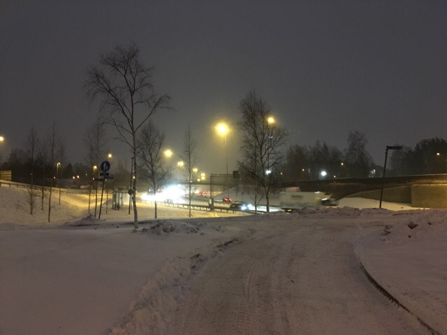 kuva, jossa autoja talvella
