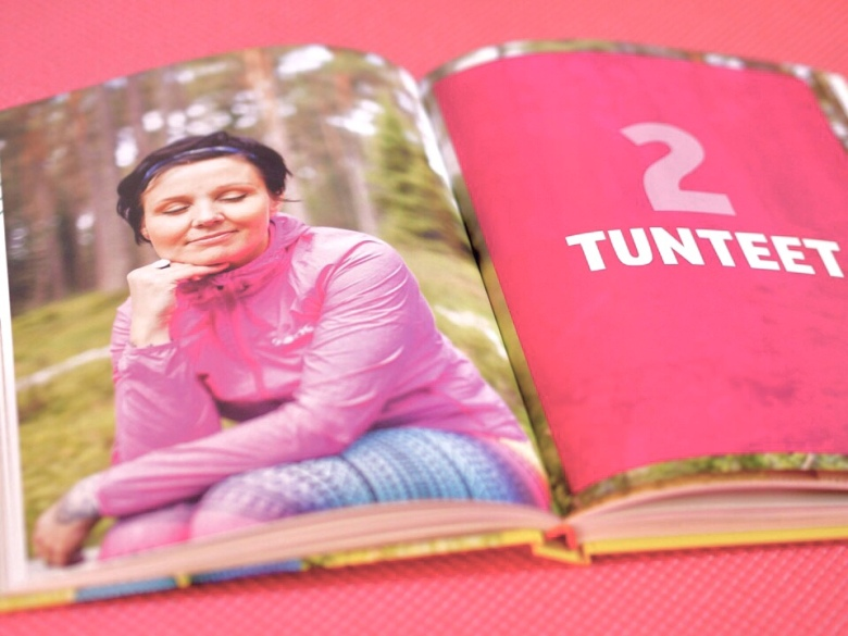 kuva, jossa kirjan aukeama