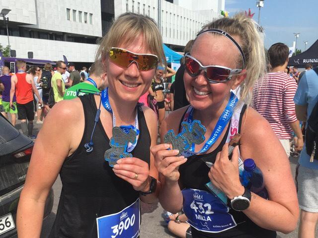 Kuva, jossa Helsinki Half Marathonin mitali.