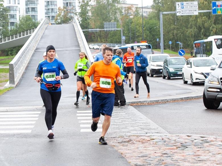 maratonjuoksu sateessa