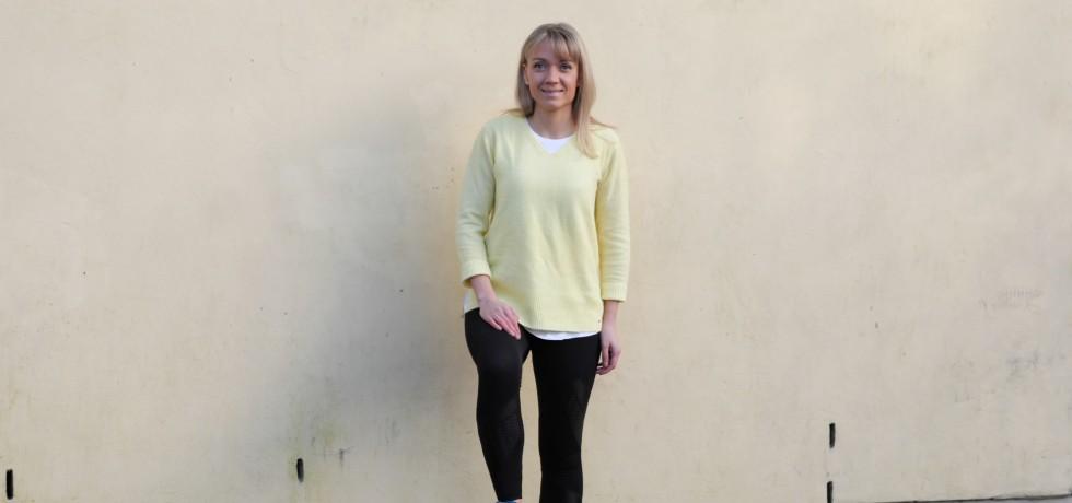keltainen neulepaita