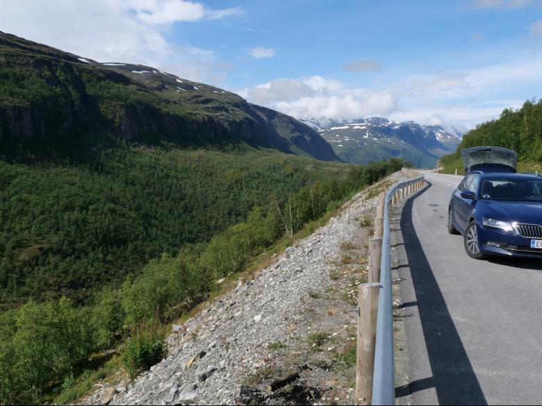 autolla pohjois norjaan