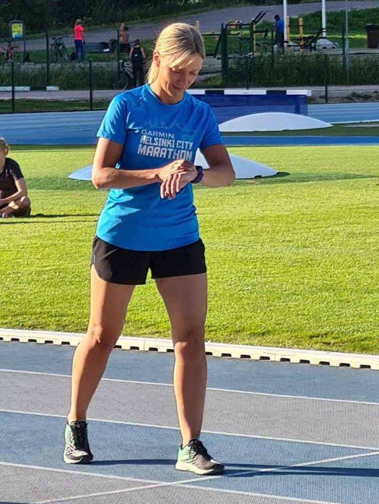 helsinki city marathon paita sininen