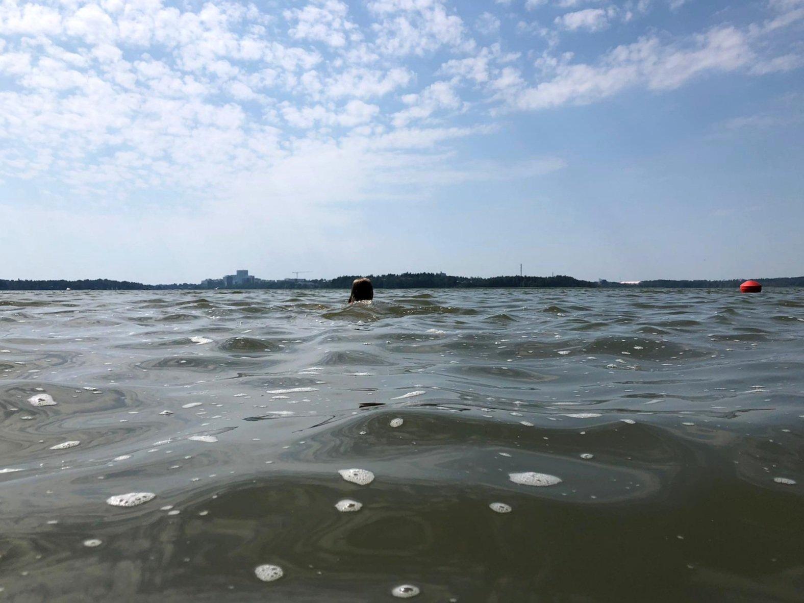 uimassa meressa