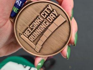 osallistujamitali helsinki city marathonilla